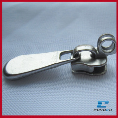 Key locking zipper slider