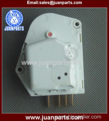 Enery-saving regrigerators freezers defrost timer