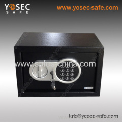 Electronic safe with digital safe lock