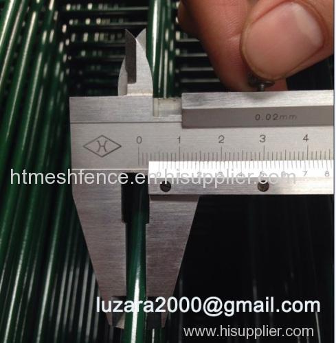 V folder welded wire fence panel