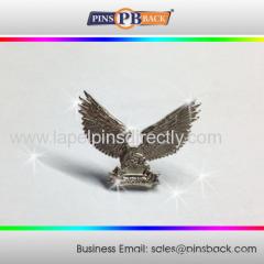 Custom 3d lapel pin with die struck/zinc alloy 3d die cast silver lapel pins