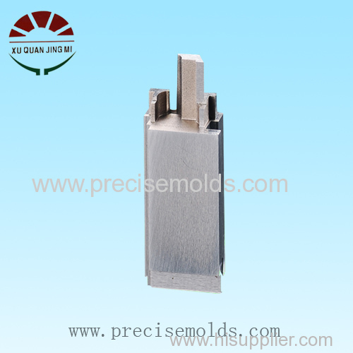 Injection connector mold slide insert