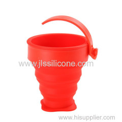 Collapsible or foldable silicone cups