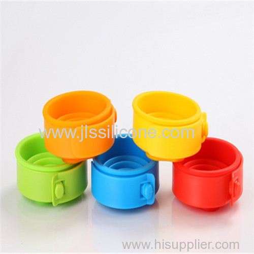 Silicone collapsible drinking cups