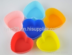 new design food grade heart shape silicone muffin cup