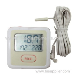 digital in-out door thermomter