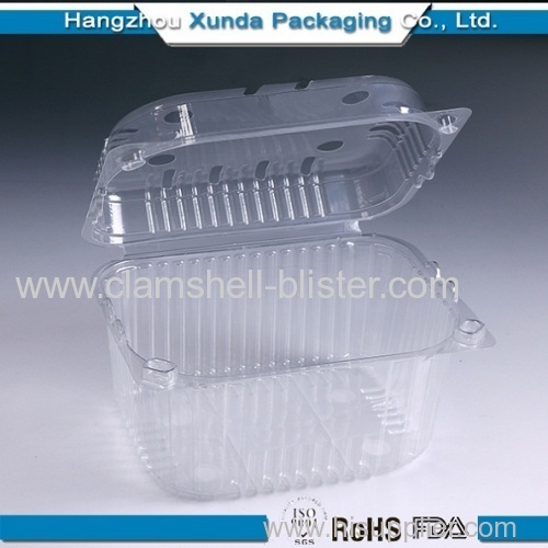 Clear disposable plastic strawberry container with lock