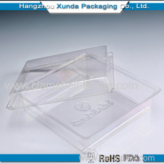 Transparent plastic salad box with lid