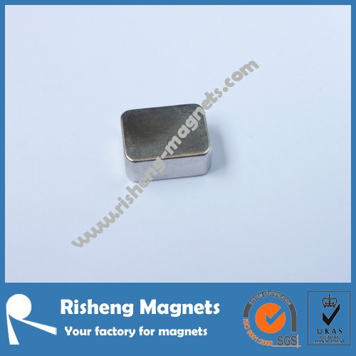 N48H Sintered Neodymium Block Magnets with White Zinc Coating