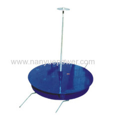 Upright turntable rope payout stand used to raise and support conductor reels in conductor stringing operations