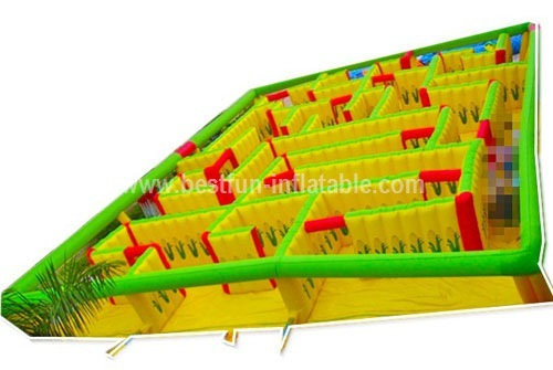 Outdoor inflatable tunnel maze