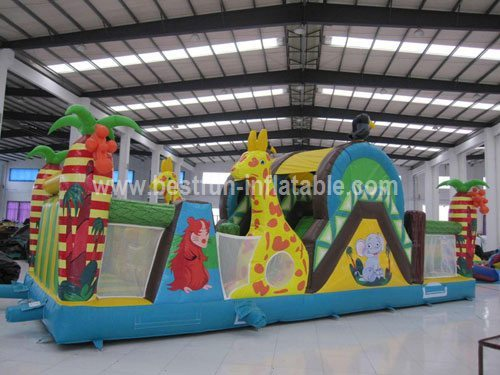 Amzing giraffe inflatable obstacle for sale