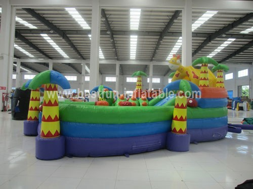 Big playground inflatables giraffe castles