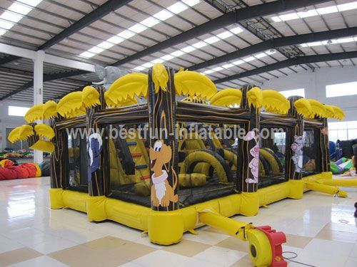 Giant popular zoo inflatable outdoor playground