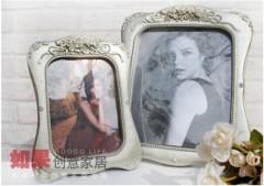 villager / square / resin photo frame