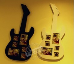 villager / wood guitar photo frame