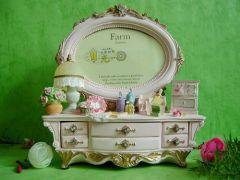 dressing table / teddy bear / fashion photo frame