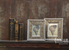 wood / oblong / classical photo frame