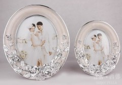 oval / rose / resin / marriage photo frame