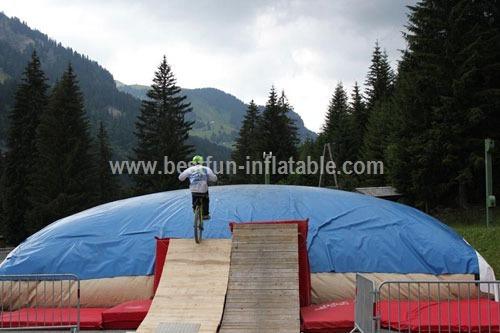 Snowboarding and Skiing Jumpbag