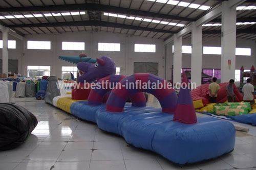 Exciting inflatable water floating obstacle