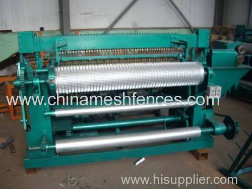 Best price factory welded wire mesh machine