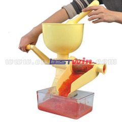 Mini hand juicer machine for home using