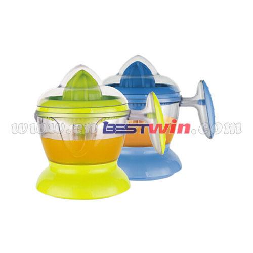 Juice maker with VDE plug