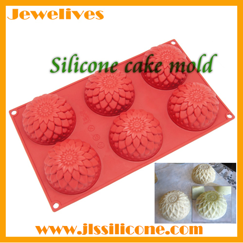Silicone bakeware with 6 flower shapes