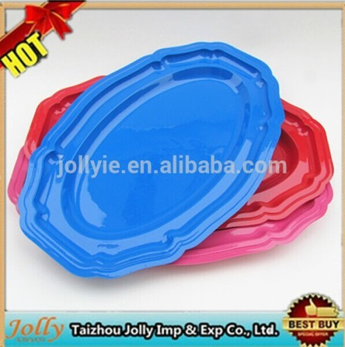 color plastic dish and bowl