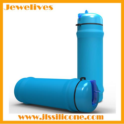 Lightweight silicone water bottles