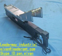 UNIVERSAL vibration feeder(three-lane) for smt pick and place machine