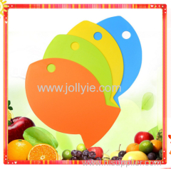FISH SHAPED BABY FOOD PLASTIC CUTTING BOARD SET WITH 4 COLOR
