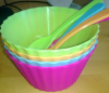 Set of 4 plastic ice cream bowls with spoons set in color card packing