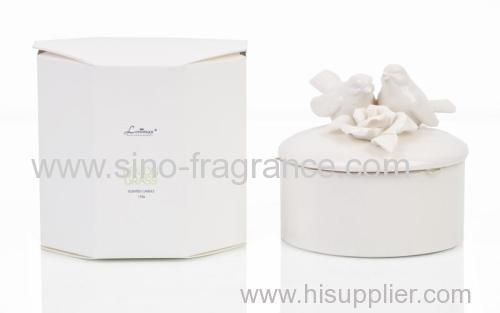 luxury scented soy candle in ceramic jar