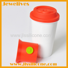 Silicone red lid with kiss shape and cover