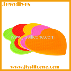 hot sale silicone heart shape cup mat