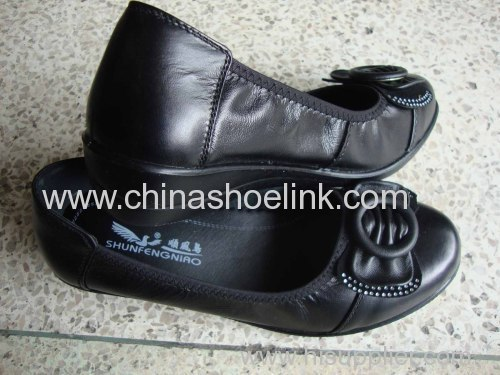 Women leather shoes China