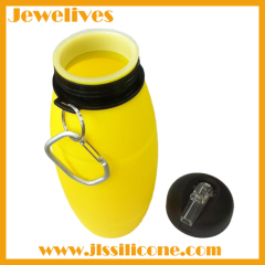 Unbreakable silicone water bottle with plastic lid