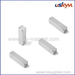 Block magnet with zinc coating