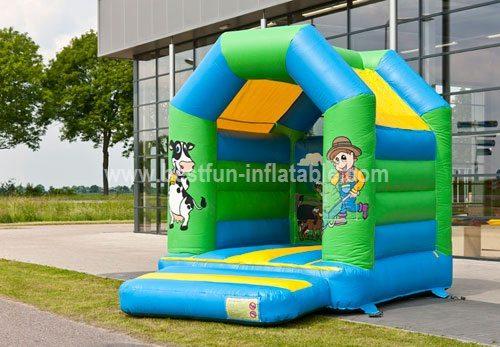 Bouncy castle Midi Farm