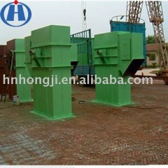 Large capacity chain bucket elevator