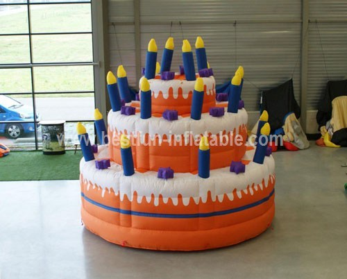 Inflatable balloons cake lacher