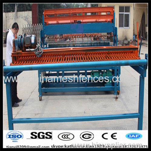 50-200mm mesh opening welded wire mesh machine