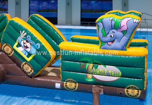 Buoy inflatable for water park