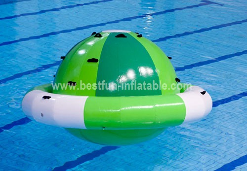 Floating inflatable water leisure park