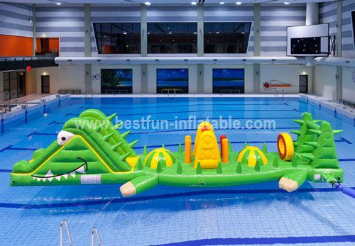 Giant inflatable floating water toys