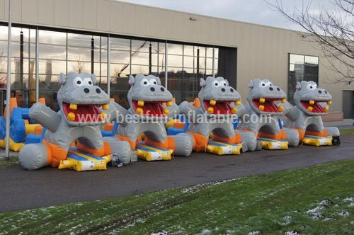 Hippo inflatable water course