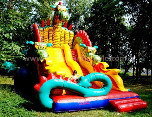 Giant inflatable dragon slide for fun