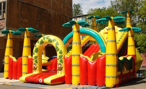 Giant inflatable slide for outdoor play